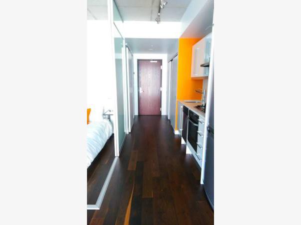 25 Oxley St Hallway