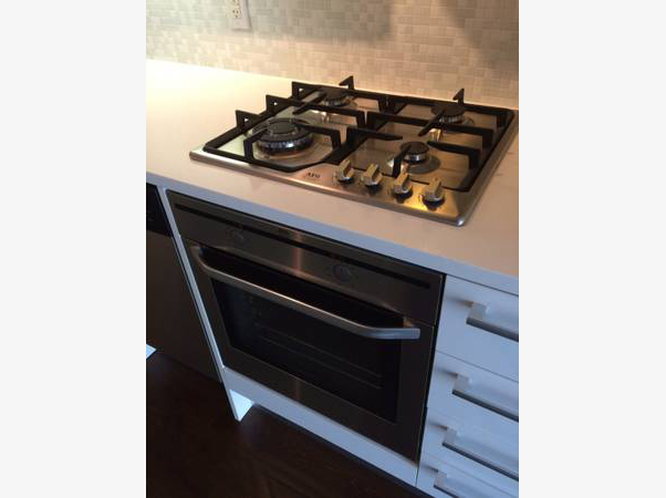 25 Oxley St Stove